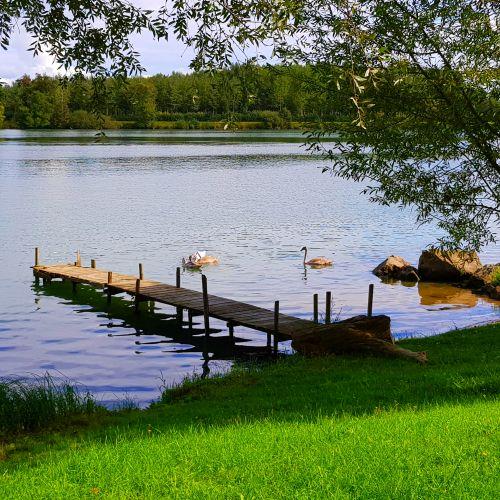 Emplacements pied dans l'eau , avec son ponton en bord de Saône !